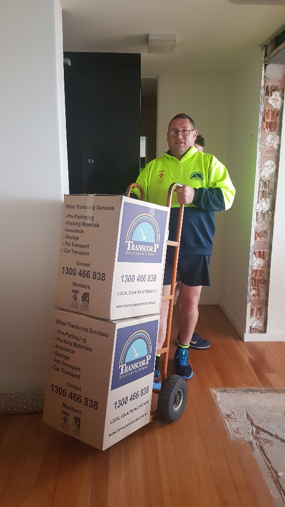 Local Removal Professionals in Melbourne - Safely Moving Boxes to the Truck