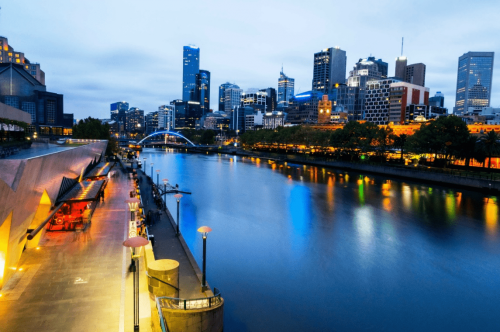 Night view of Melbourne's Yarra River
